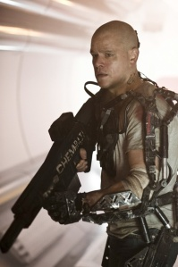 elysium-secondphoto-mattdamon-full